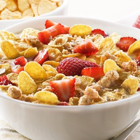 Cereales, lácteos y fruta