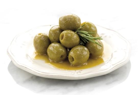 Aceitunas verdes, crema de mostaza, miel y romero - Rubén Sánchez