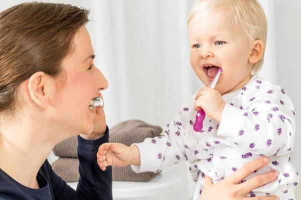 cepillado dientes mam