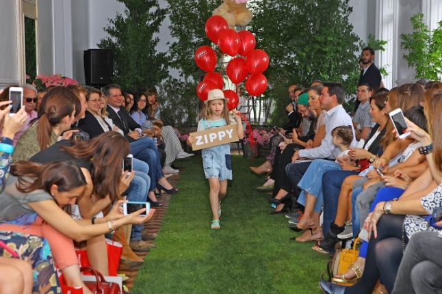 desfile zippy1